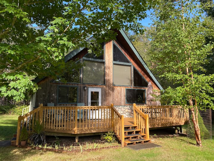 Island Chalet in Forest, Gourmet Kitchen 1 bd/1 ba