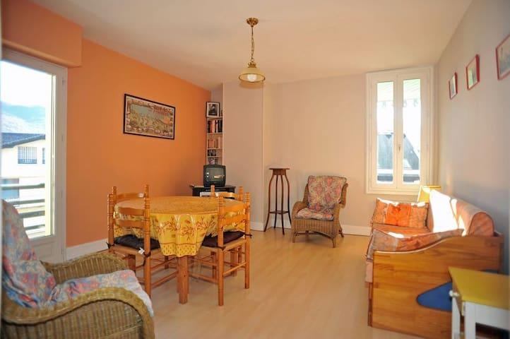 Maison du 19 ème dans une ville Thermale - Argelès-Gazost - Appartement