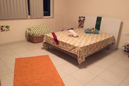 In Authentic Mgaar, Sunny Room w/ private bathroom - L-Imġarr - Apartment