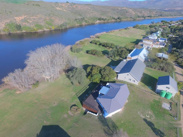Breede River- BR4|Sleeps 12 |Slipway +Jetty