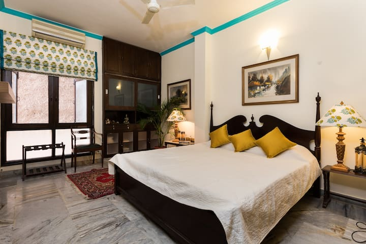 Route 21 @Dev Boutique HomeStay - Nuova Delhi - Bed & Breakfast