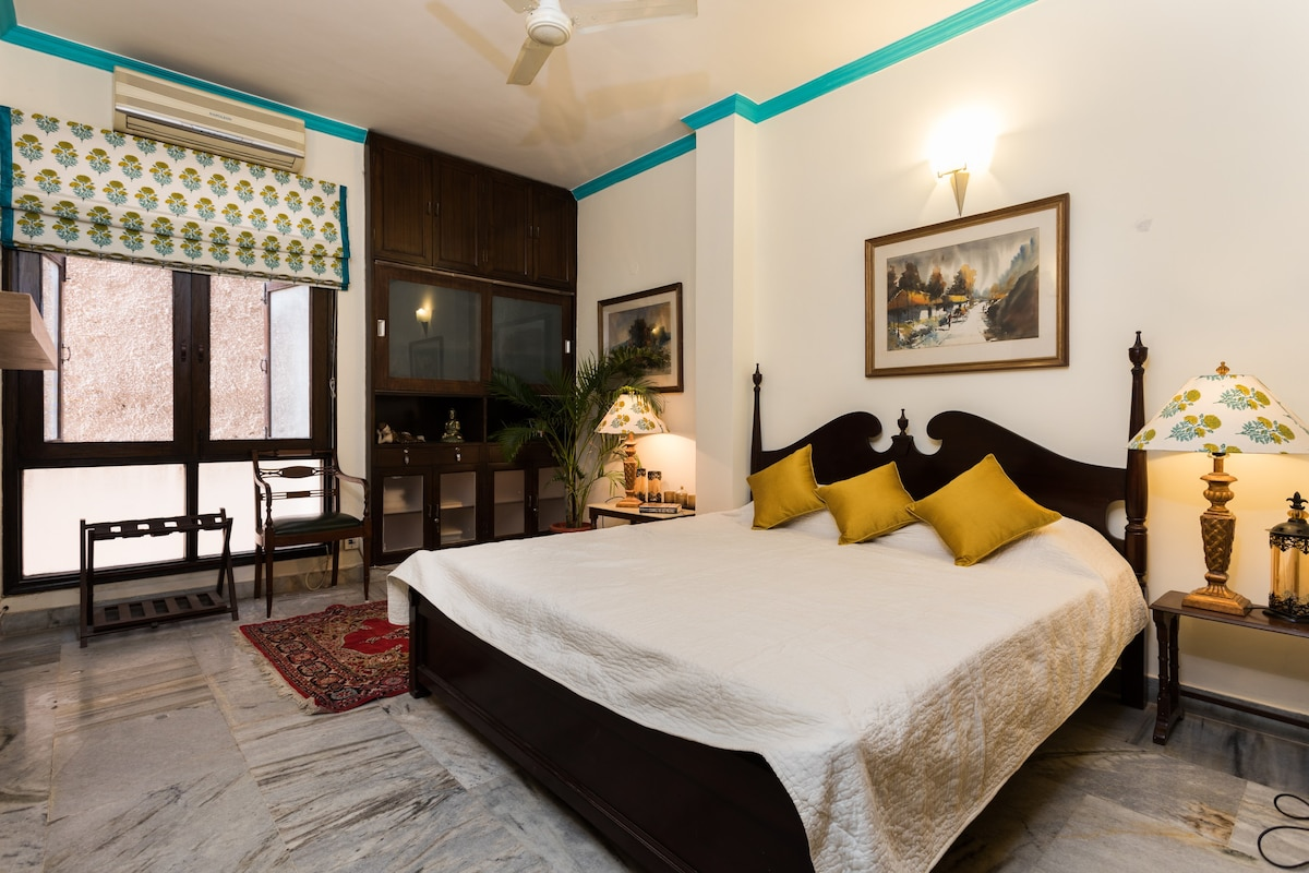 Route 21 @Dev Boutique HomeStay   Apartments For Rent In New Delhi, Delhi,  India