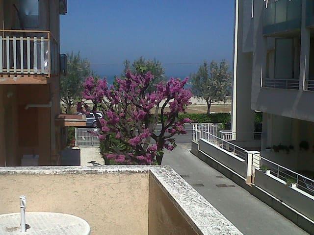 """Appartamento 6 posti fronte mare """"Mameli"""" - Senigallia - Apartamento"""