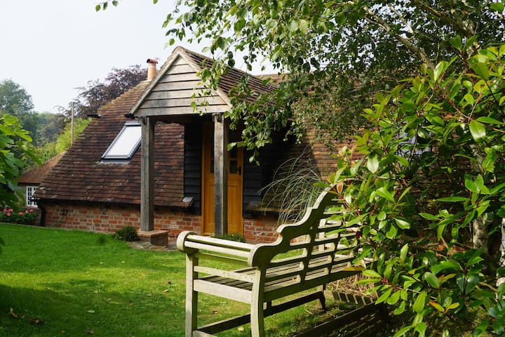 Luxury annexe in attractive South Downs village - East Lavant - Apartemen