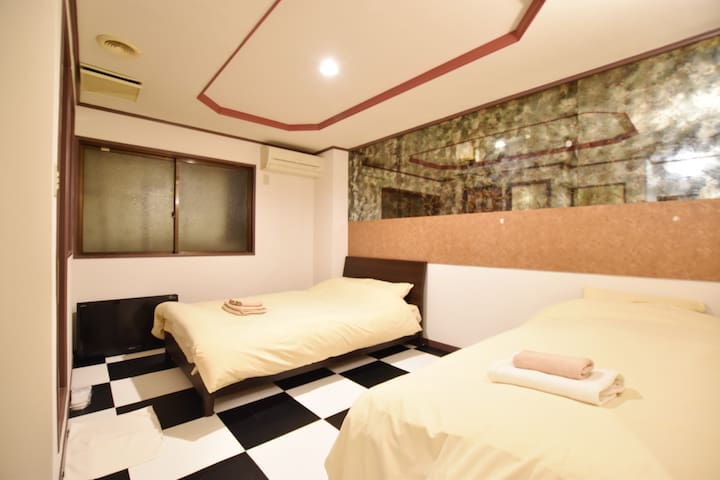 54★VERY CLOSE TO JR IKEBUKURO COZY APT HOTEL ROOM