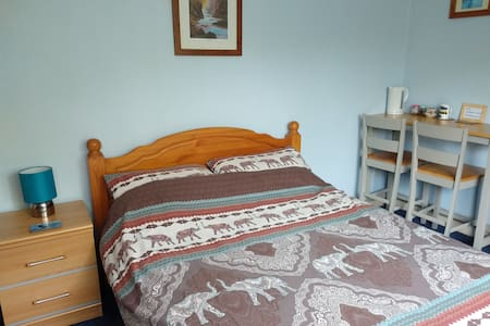 CARTMEL, NC500 double ensuite room 1 person or + 1