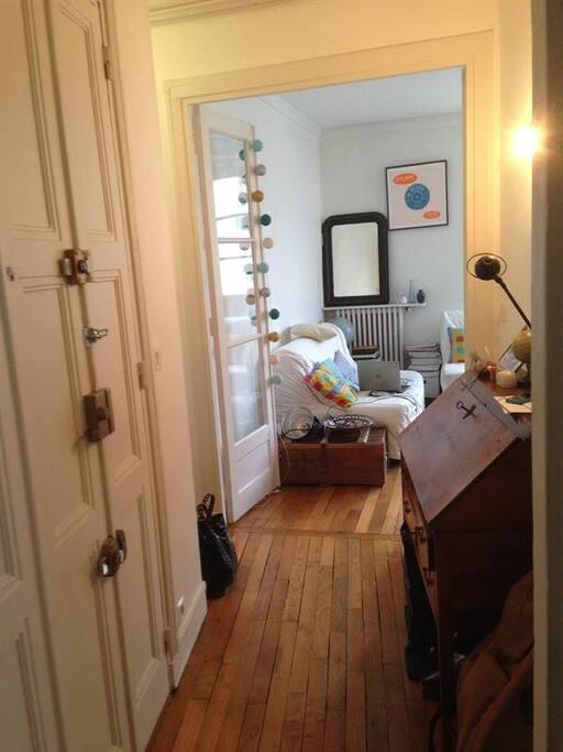 Salon vu du couloir