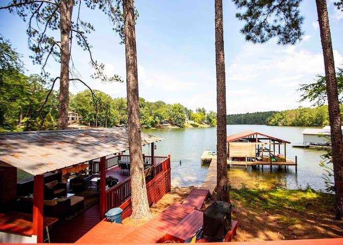 AU Basketball,Lake Martin Cabin,Bunkhouse,Pavilion