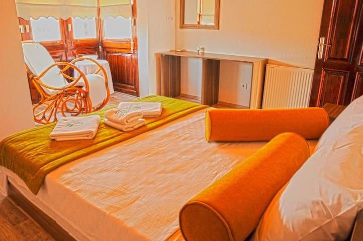 Maydonoz Otel byzevkliler (ALAÇATI) - Alaçatı - Bed & Breakfast