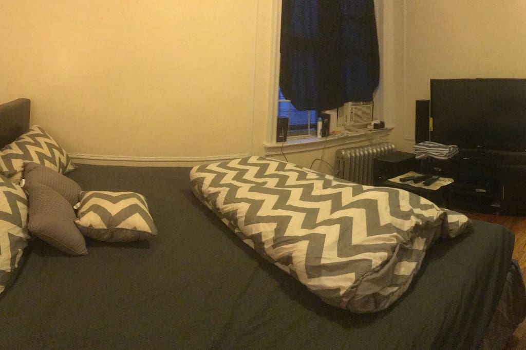 [Current] Panoramic view of the room from the back door area of the room.