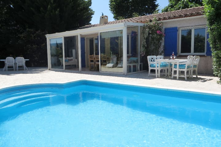 Detached villa with private swimming pool, enclosed garden and plenty of privacy