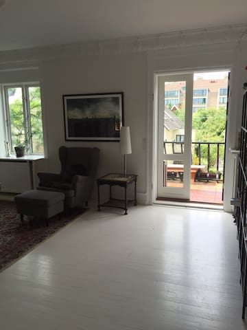 130 m2 city apartment with balcony - Frederiksberg - Appartamento