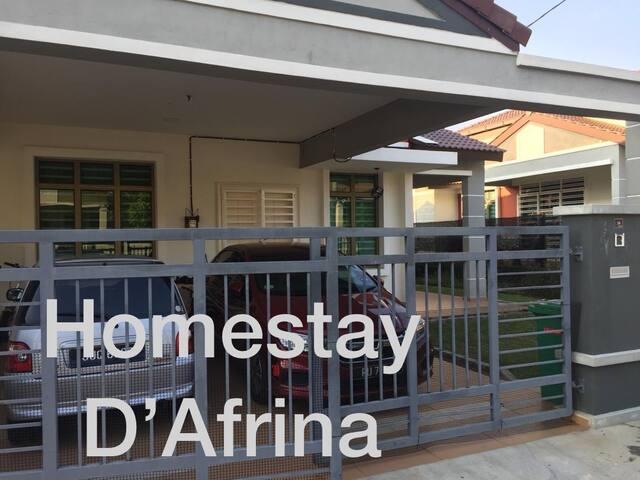 Homestay D'Afrina Melaka/Ayer Keroh/SemiD