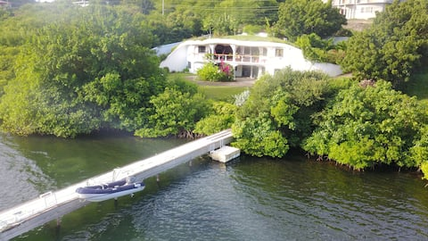 Villa Stonehaven, waterfront property with dock