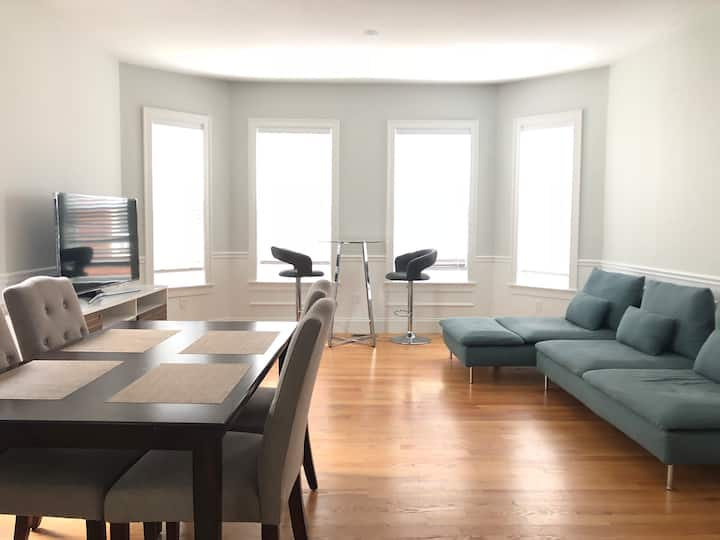 Luxurious House-Harvard/PorterT 5BR/4Bath, Parking