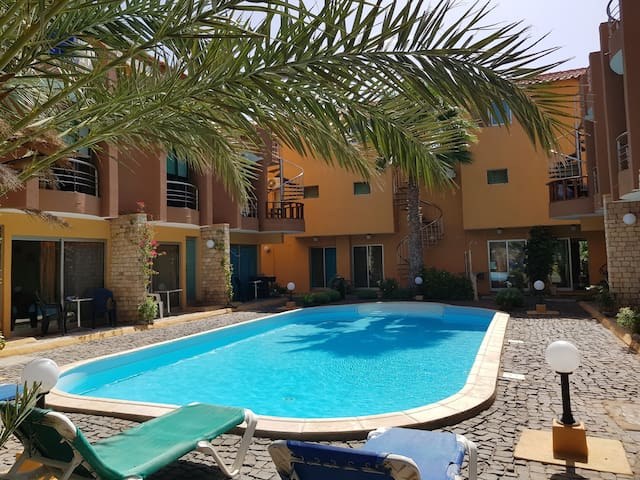2 bed apartment with pool, in a quiet location