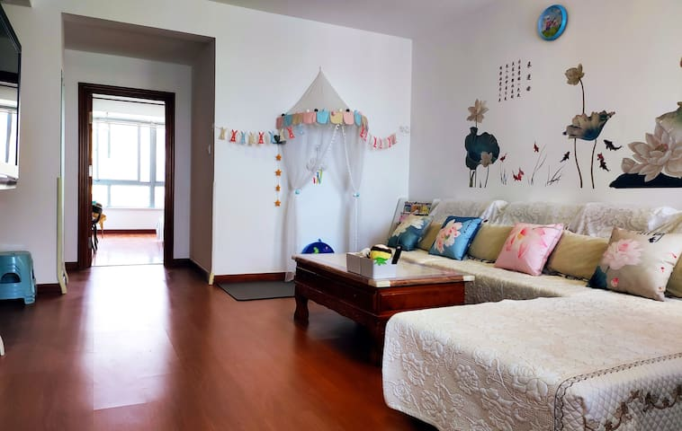 【荷香小筑】温馨海景民宿•带儿童床的亲子度假屋,毗邻海鲜市场