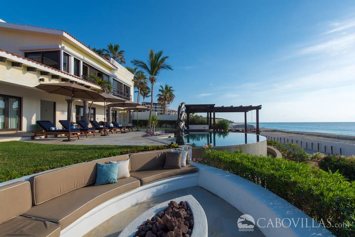 Beachfront Villa with Convenient Access to Cabo Real Golf