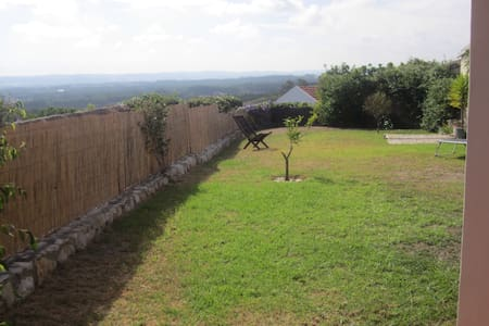 Quiet detached house stunning views - Cabeco da Vela, Serra do Bouro, Caldas da Rainha - 獨棟