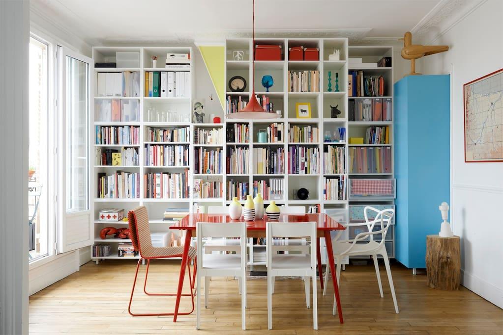 Salle à mangée/bibliothèque
