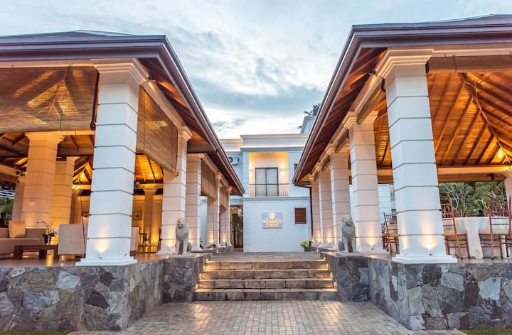 Kevan's Casa City Hotel