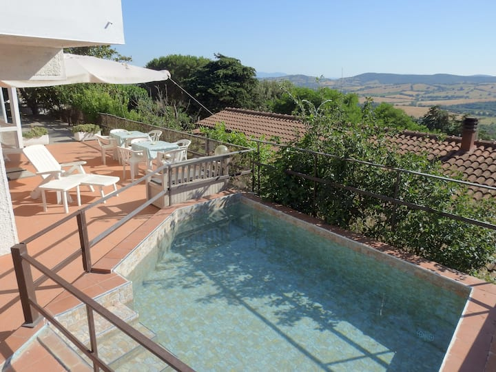 Big house in southern Tuscany with view and pool
