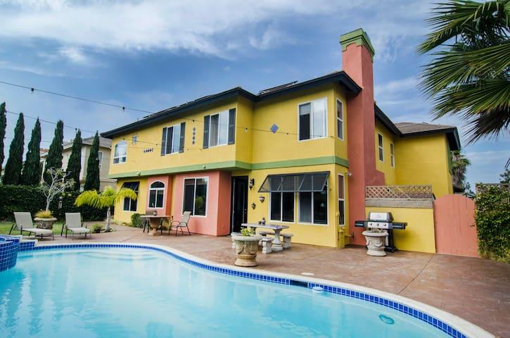 *Carlsbad Beach Mediterranean Villa Getaway!*