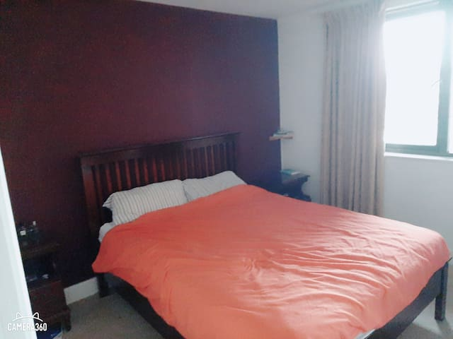Spacious apartment, Free food, Near City centre