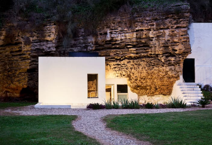 Cave House,Suite in the Nature