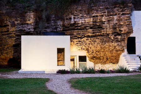 Suite in the Nature, Cave House - Villarrubia - Earth House