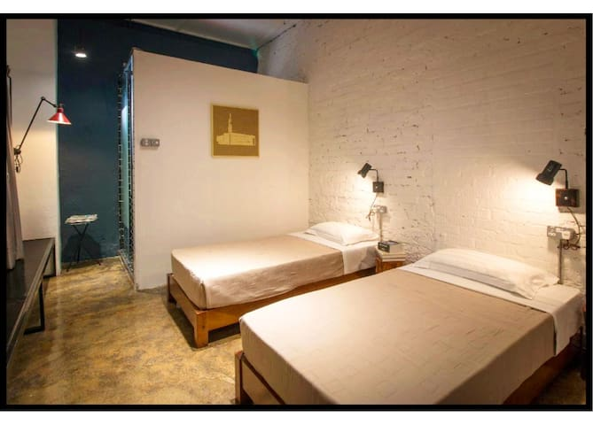 The Brownstone Hostel & Space 3