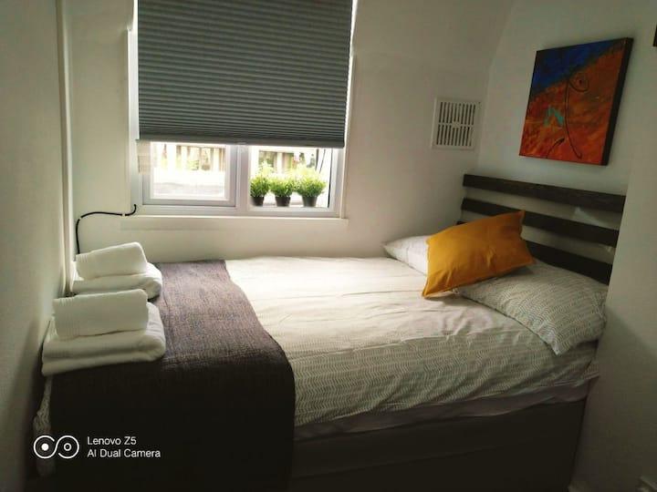 Lancaster Gate studio apartment (19