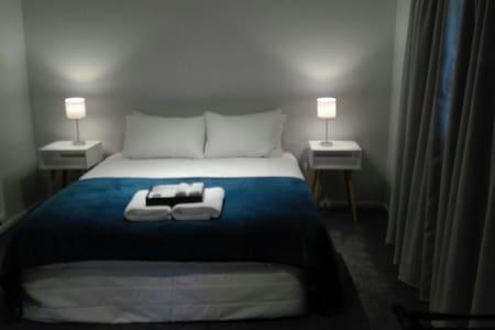 Sunny Getaway - Scott Street Apartments - Lake Tekapo - アパート