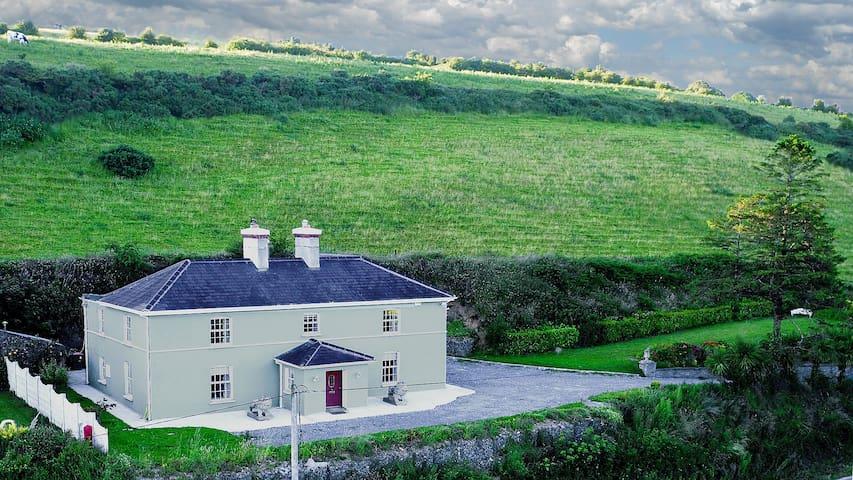 Georgian house less than 20 min to Kinsale & Cork - Halfway - Rumah