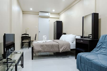 G/F Modern Studio for 2-4 Guests in Makati City - 公寓