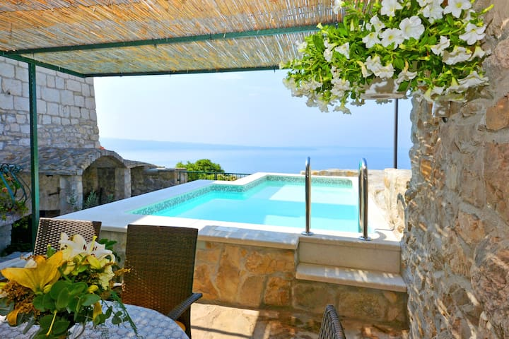 Villa with pool nearby Split & breathtaking view! - Podstrana - Vila