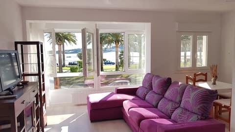 Appartamento con vista sulla spiaggia, centro del paese