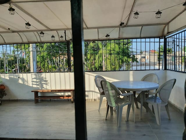 2 bedroom apt, 7 min to beach Nuevo Vallarta bycar