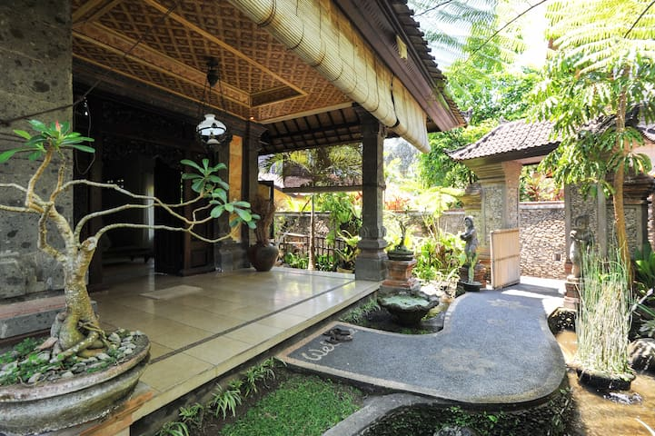 Stunning One bedroom Villa near YogaBarn - Ubud - Villa