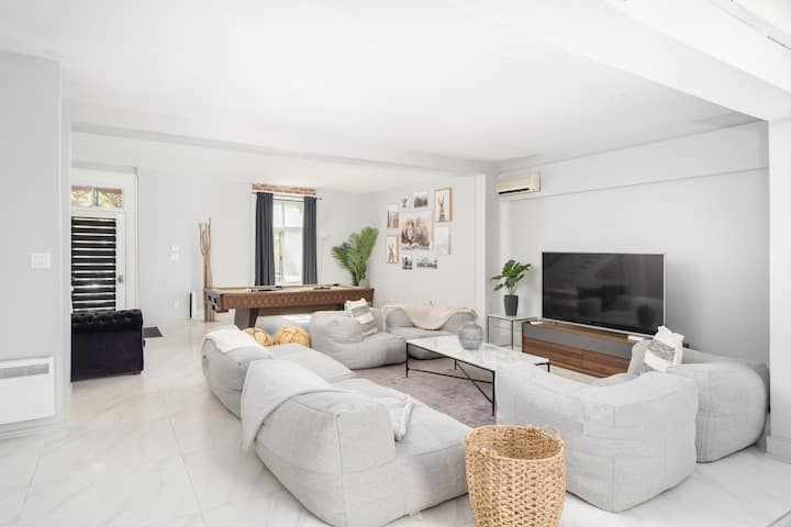 Private TownHouse/Jaccuzzi Pool table &2 terrasses