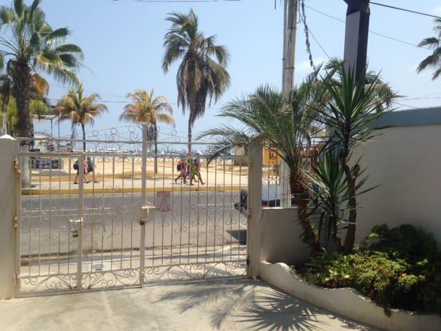 Room on the beach - Salinas