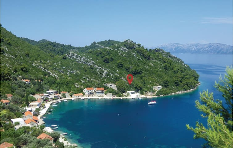 Holiday cottage with 2 bedrooms on 52 m² in Prozura