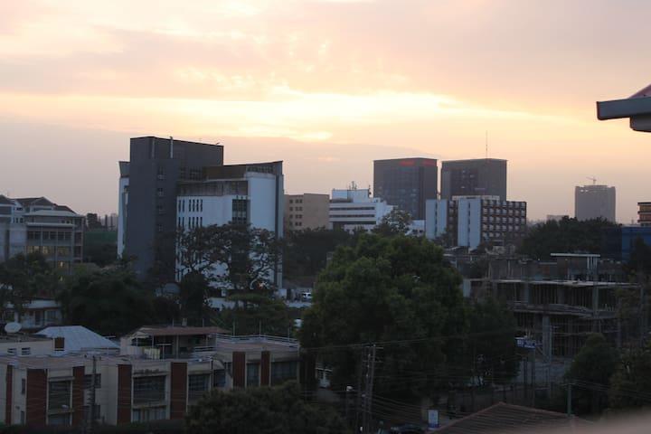 Cosy Twin Room in Westlands - Nairobi - Apartment