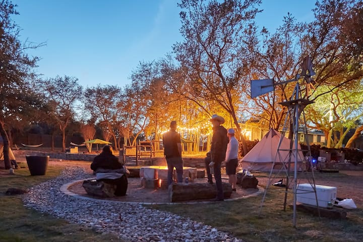 Planet Rock - Austin, Texas Glamping