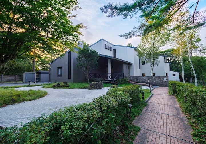 素泊り(パーティー、大家族、団体)富士山のふもとに白鳥の湖に近づく、自然と平静なプライベートスペース