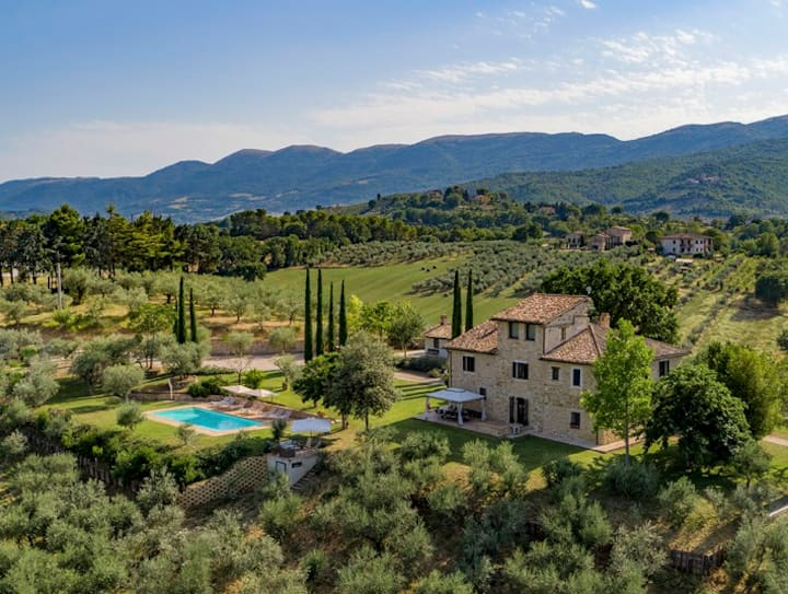 Villa Spago Panoramic for 14 with Private Pool