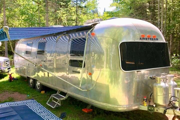 1972 31ft Airstream -  Delivered to Campsite!