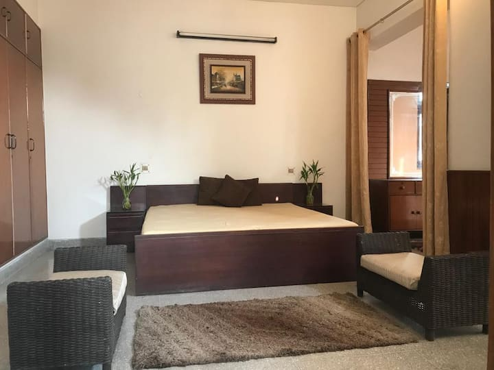 Lavish Suite in a serene Raj Nagar Bungalow.