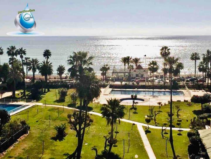 Face à la plage, magnifique appartement vue  mer
