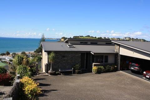 Arkles Bay Studio ,beach and Gulf views
